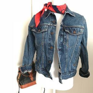 Levi Strauss jean jacket size M medium wash